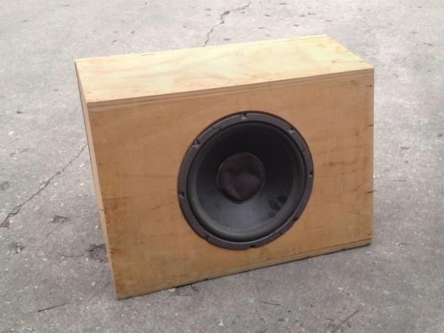 speaker-box-01