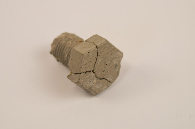 concrete-bolt-2845